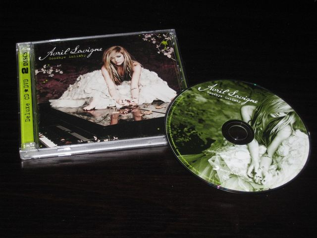 Cover: Avril Lavigne - Goodbye Lullaby-(Deluxe_Edition)-(Trusted_Retail)-2011-C4