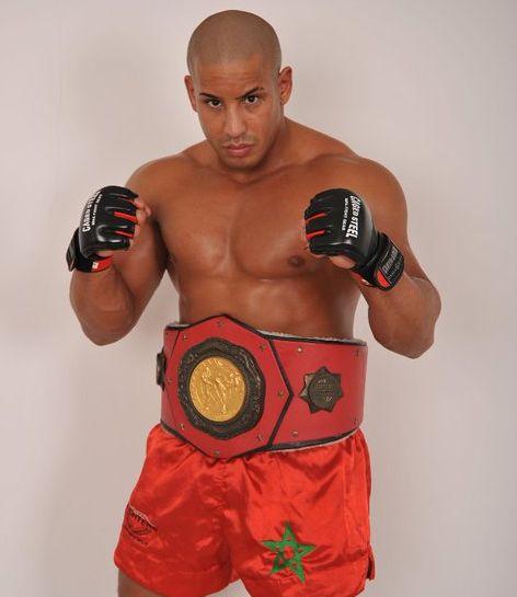 Azaitar war im Thaiboxen erfolgreich.