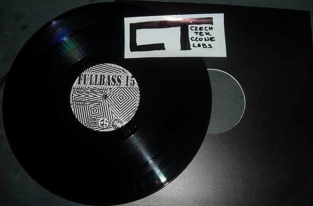 Cover: VA - Fullbass 15-(FB15)-Vinyl-2011-CT