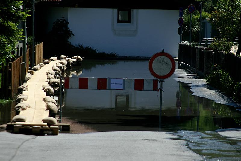http://www.abload.de/img/05.06.10_hochwasser11w6up.jpg