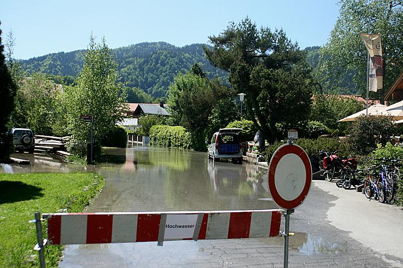 http://www.abload.de/img/05.06.10_hochwasser12yujv.jpg