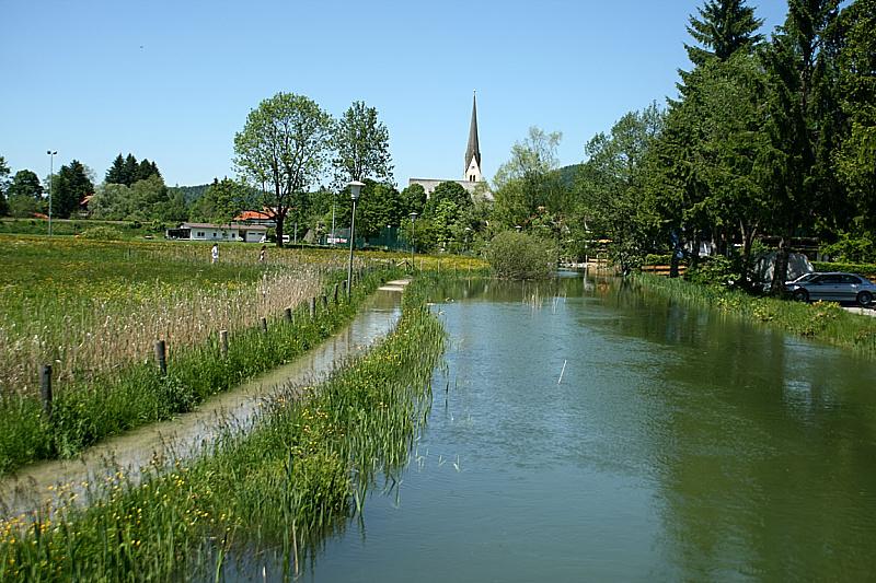 http://www.abload.de/img/05.06.10_hochwasser715g6.jpg