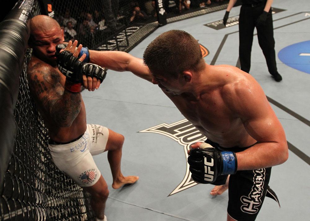 Alves musste viel einstecken gegen Story (Foto via UFC.com)
