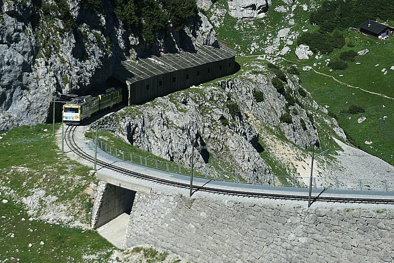 http://www.abload.de/img/08.07.10_zahnradbahn2h9a0.jpg