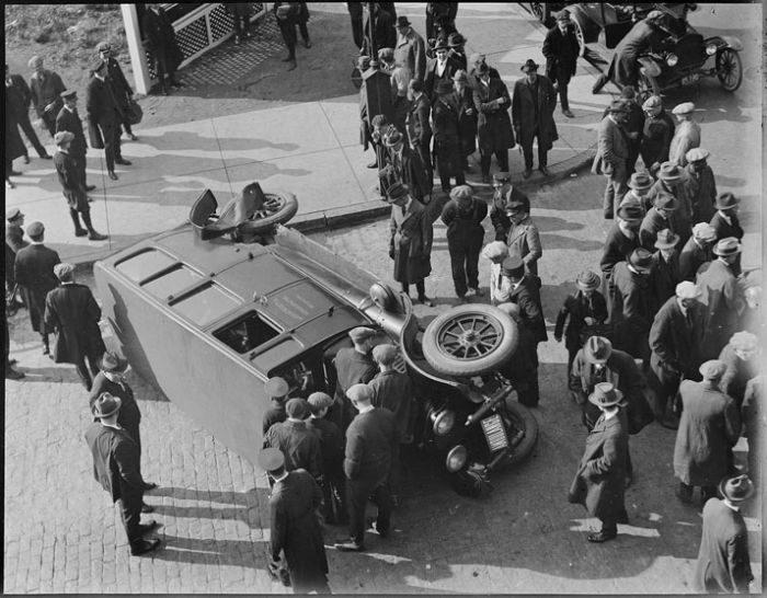 Wypadki samochodów w latach 30. 26