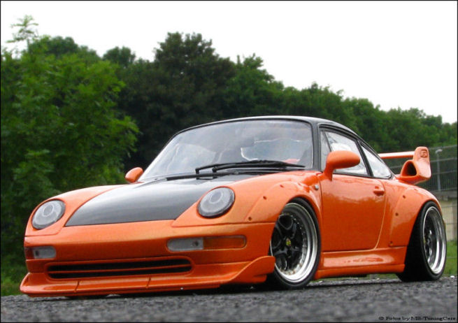 1 18 tuning porsche 911 993 gt2 orange schwarz fach lackiert inkl vitrine ut ebay. Black Bedroom Furniture Sets. Home Design Ideas