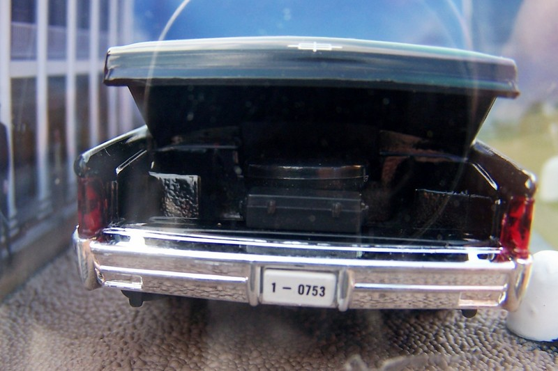 007 james bond lincoln continental goldfinger 1 43 boxed car model connery ebay. Black Bedroom Furniture Sets. Home Design Ideas