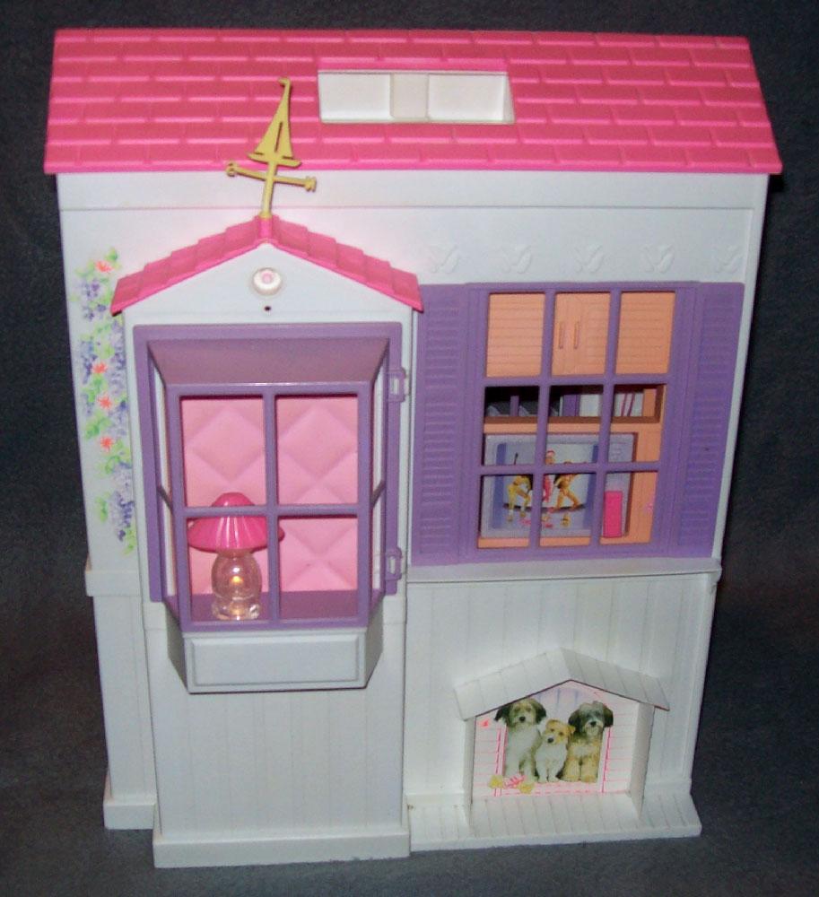 barbiehaus zusammenklappbar mattel haus barbie wohnung villa koffer 90er 80er. Black Bedroom Furniture Sets. Home Design Ideas