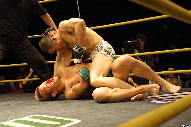 Maeda (oben) dominierte den amtierenden Champion. (Foto: Dreamofficial.com)