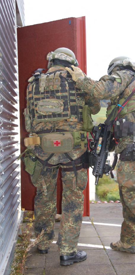 Armée Allemande (Bundeswehr) - Page 5 159mq