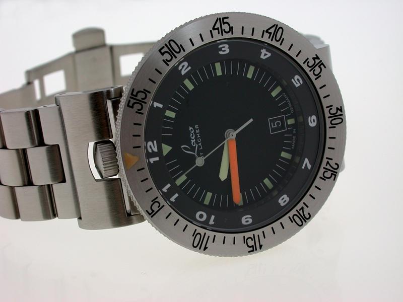 Closure for wrist-watch cases - Erich, Lacher