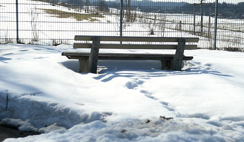 http://www.abload.de/img/19.03.10_schneefeldo12s.jpg