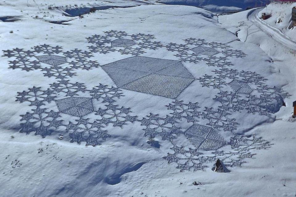Land art na śniegu 1