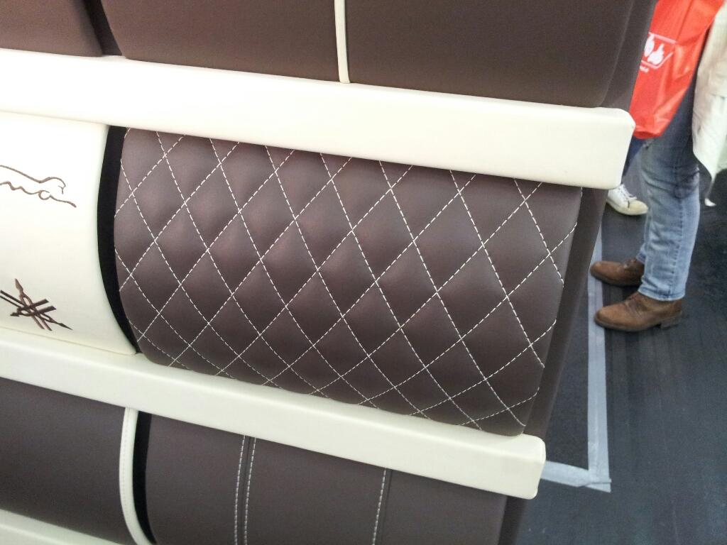 diy wie n he ich einen rautenmuster sitz caferacer. Black Bedroom Furniture Sets. Home Design Ideas