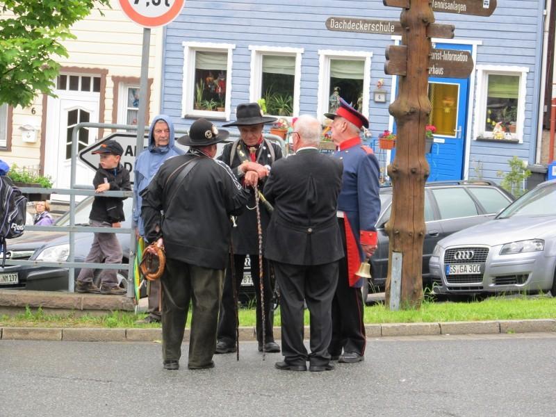 Wiesenblüten-Festumzug_03.06.2012 2012-06-03008800x600q47di