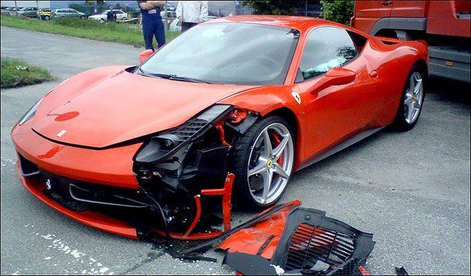 Wypadki najdroższych samochodów 10