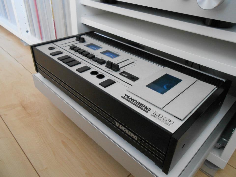 schallplatten und cd regale vitrinen schr nke und kommoden eure l sungen. Black Bedroom Furniture Sets. Home Design Ideas