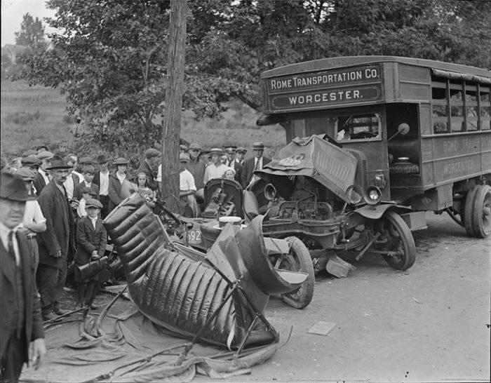 Wypadki samochodów w latach 30. 29