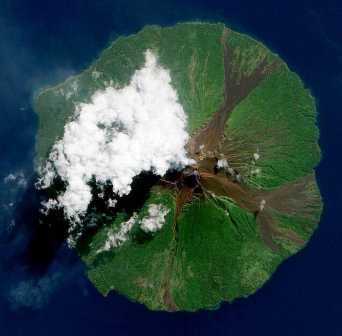 Ziemia z lotu ptaka: wulkany 10