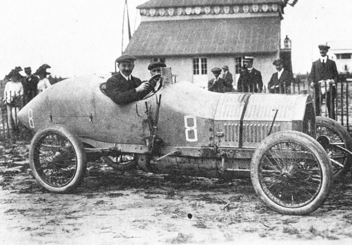 Pierwsze wyścigi samochodowe 32