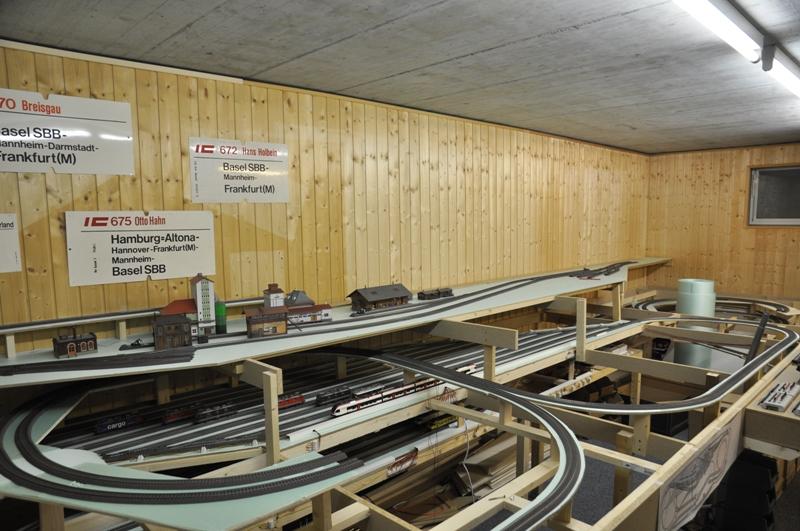 modelleisenbahn grundplatte bauen