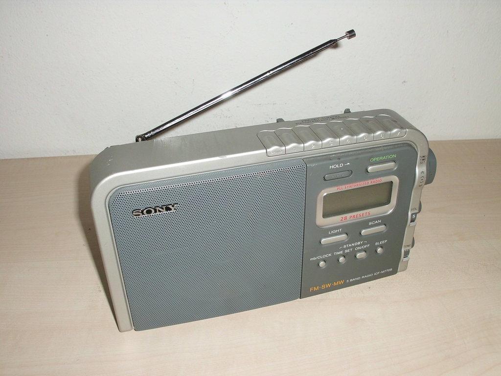 SONY ICF M770S 3 Band Radio