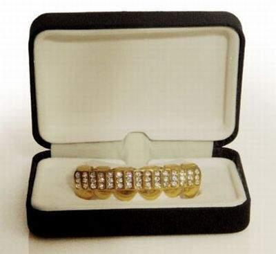 Biżuteria na zębach 29
