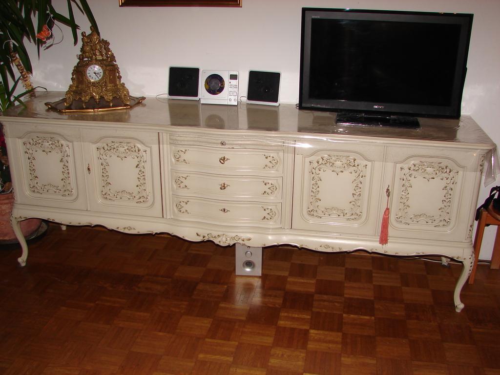 chippendale weiss esszimmer raum und m beldesign inspiration. Black Bedroom Furniture Sets. Home Design Ideas