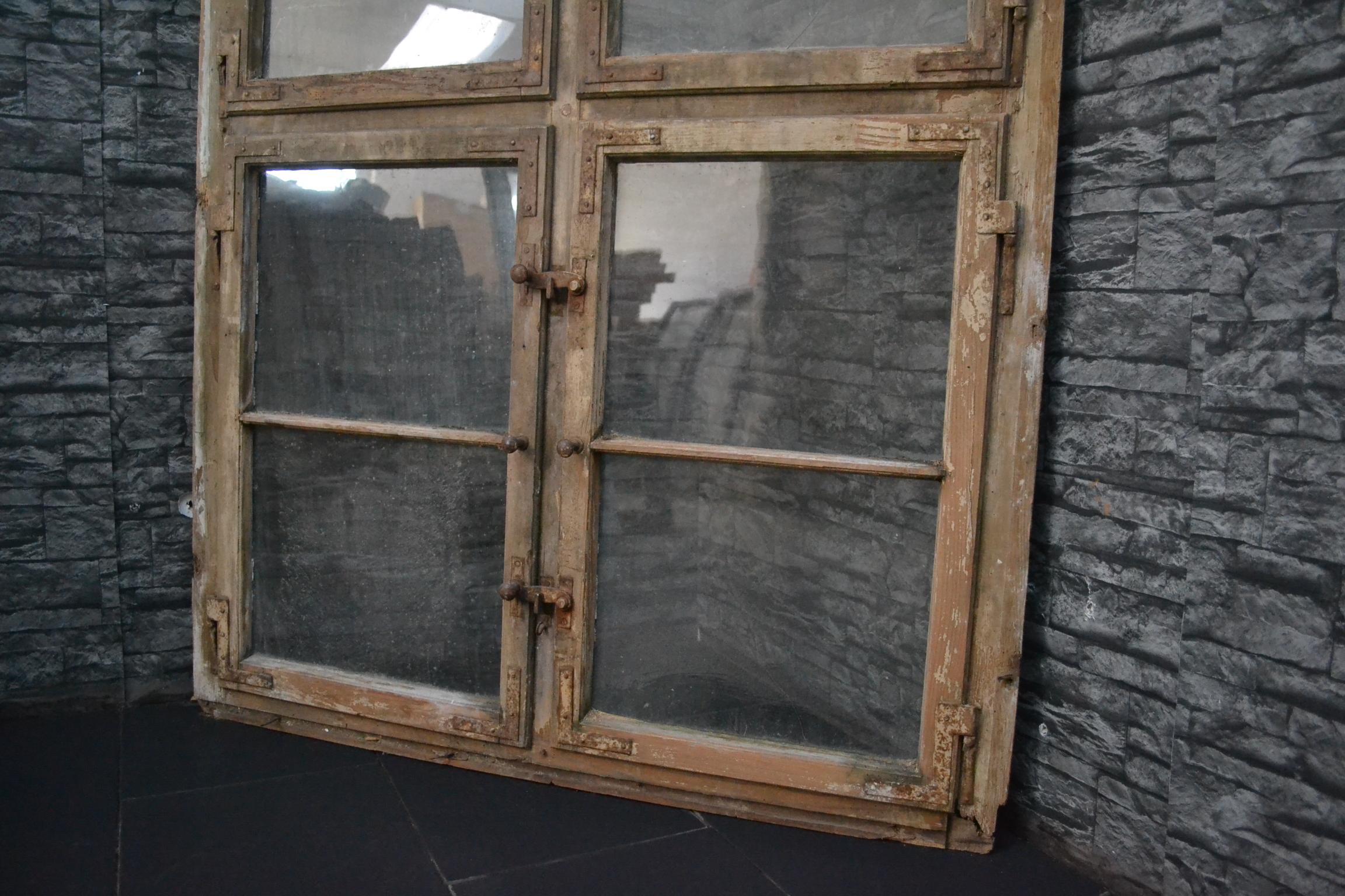 traumhaftes antikes holz fenster rahmen zweifl gel sprossenfenster top ebay. Black Bedroom Furniture Sets. Home Design Ideas