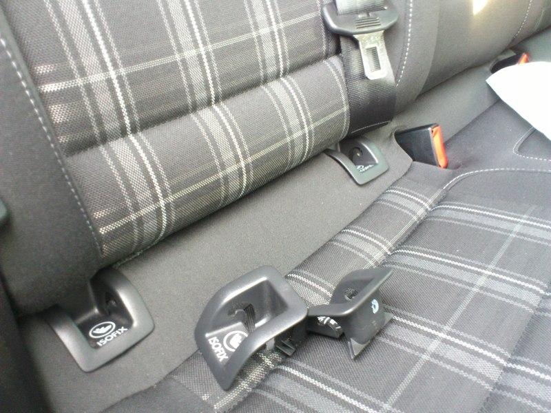 gab es beim golf variant auch isofix abdeckkappen. Black Bedroom Furniture Sets. Home Design Ideas