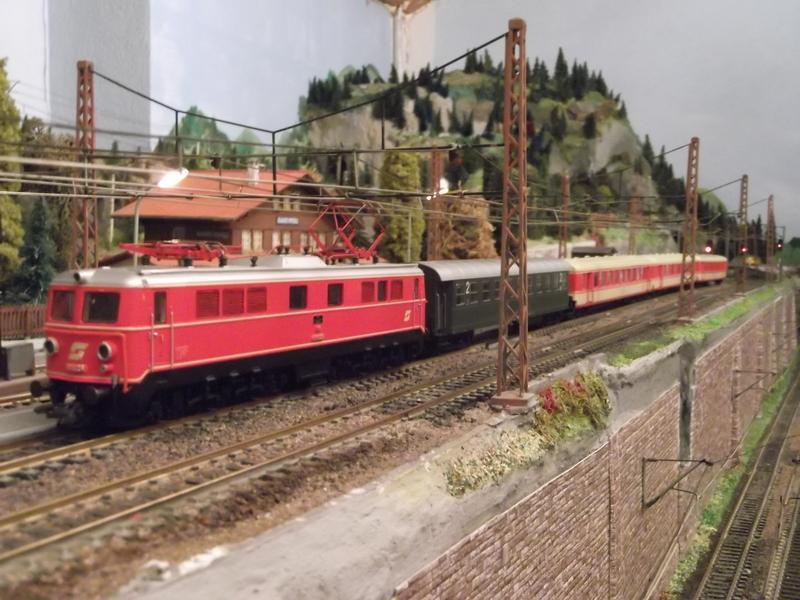 Mit dem Eilzug von Bregenz nach Linz ca. 1984 Dscf0756zbkj6