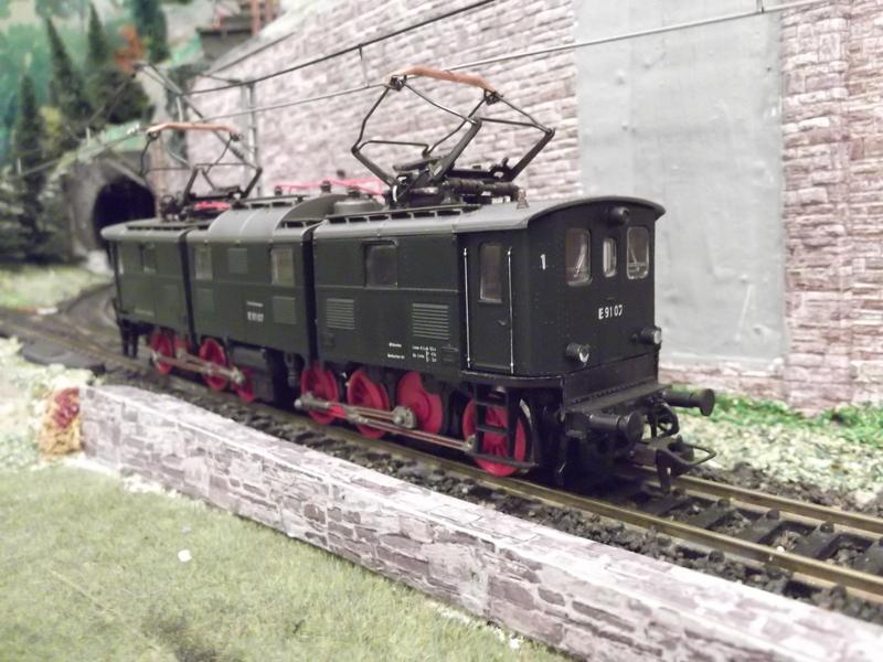 """DB E91 - ein """"Roco-Urgestein"""" Dscf13556ok0j"""
