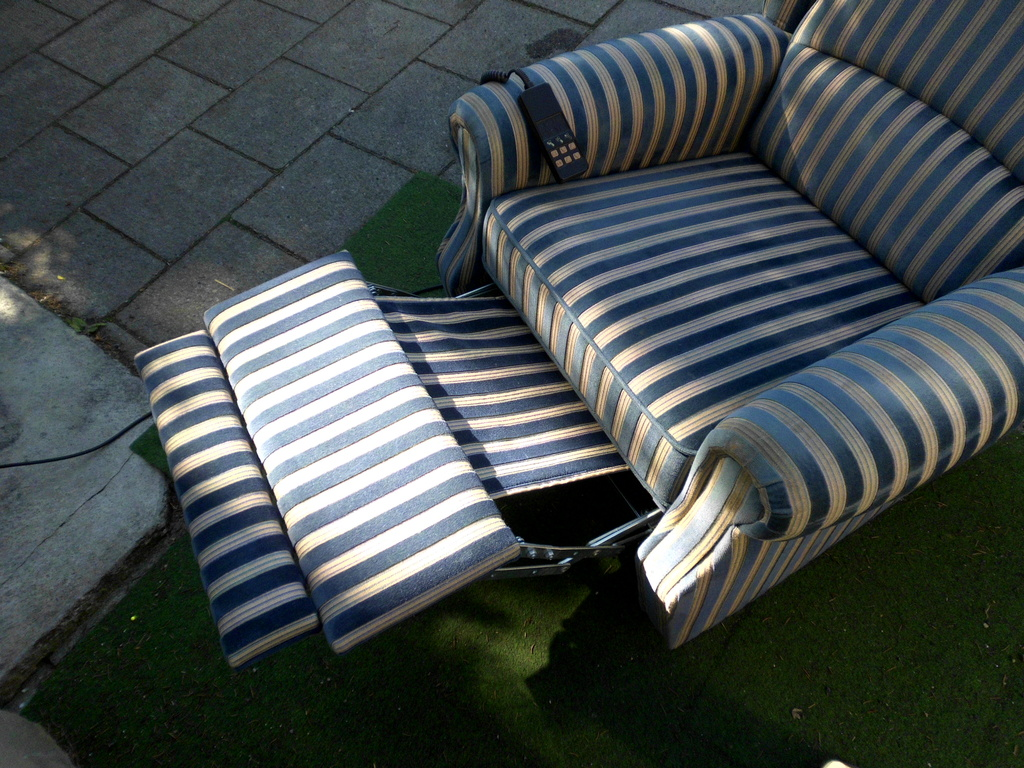Fernsehsessel relaxsessel liegesessel seniorensessel for Liegesessel elektrisch
