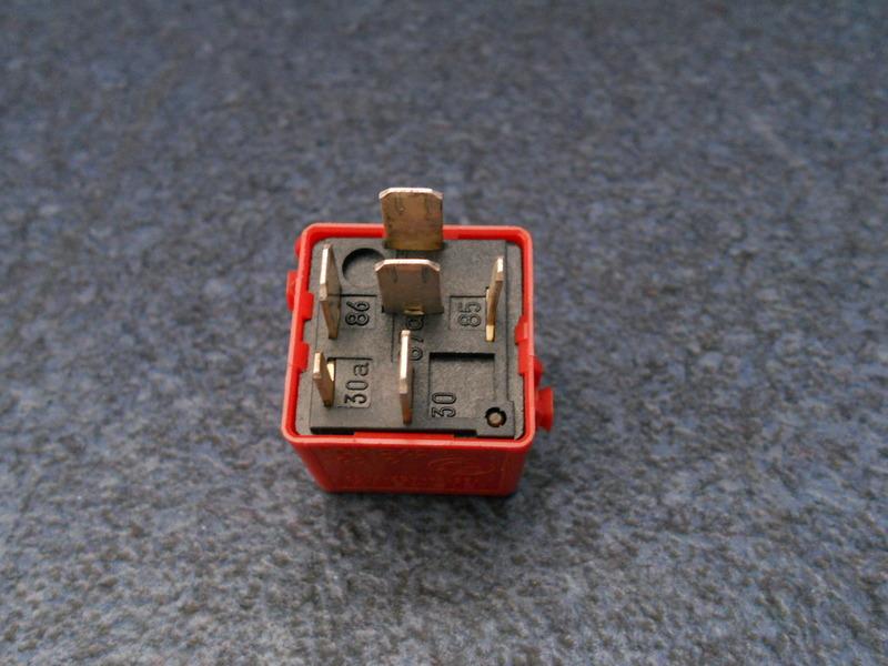 bmw relais 1393404 abs e36 316i 318i 320i 323i 325i 328i. Black Bedroom Furniture Sets. Home Design Ideas