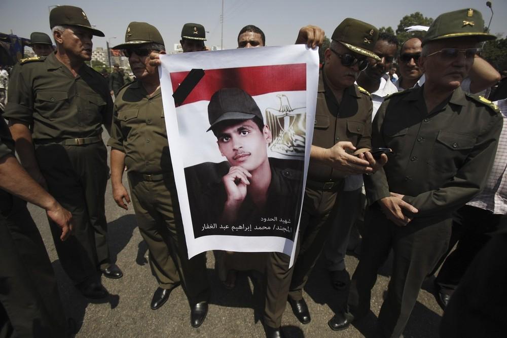 Update: La nouvelle Egypte de l´apres-révolte. - Page 6 Eg11eufpg