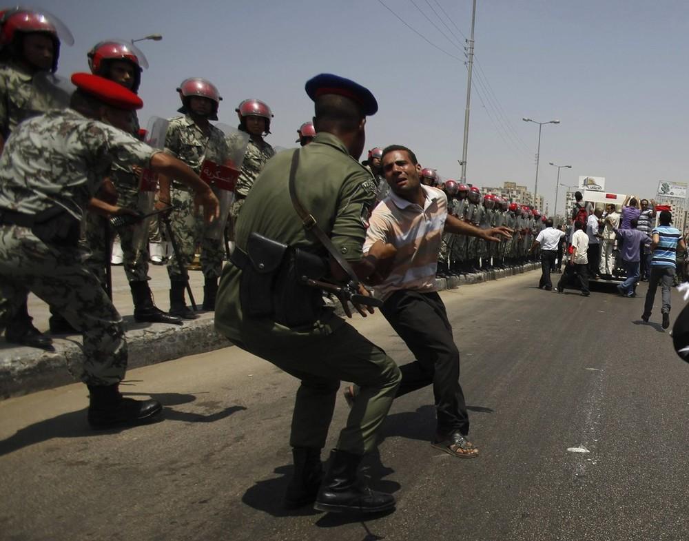 Update: La nouvelle Egypte de l´apres-révolte. - Page 6 Eg2kaco6
