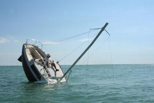 Tonąca łódź 2