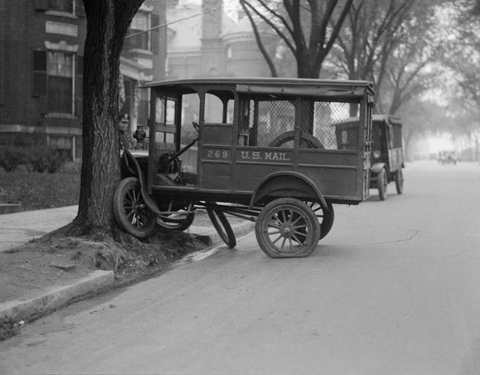 Wypadki samochodów w latach 30. 24