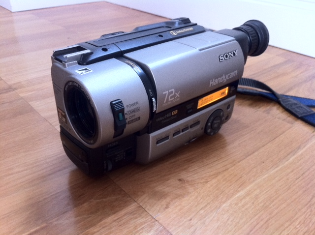 sony ccd tr840e camcorder hi8 handycam videos digitalisieren video 8 8mm wie neu ebay. Black Bedroom Furniture Sets. Home Design Ideas