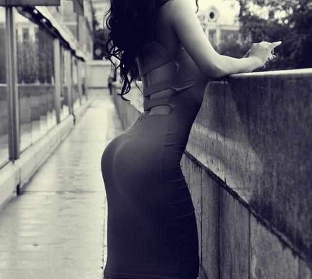 Obcisłe sukienki #12 9