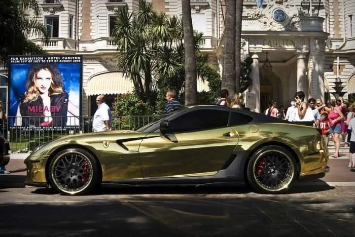 Złote Ferrari 4