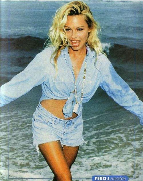 Młoda Pamela Anderson 28