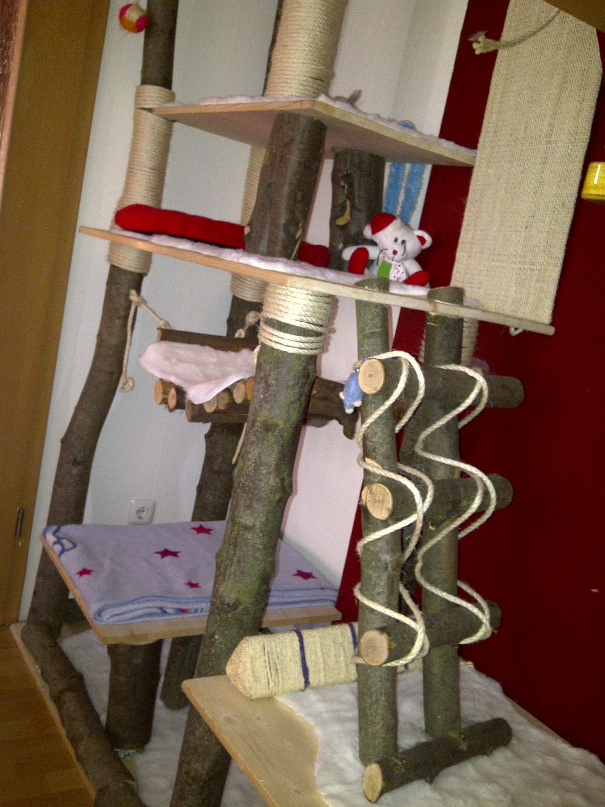 kratzbaum selber bauen do it yourself katzenforum. Black Bedroom Furniture Sets. Home Design Ideas