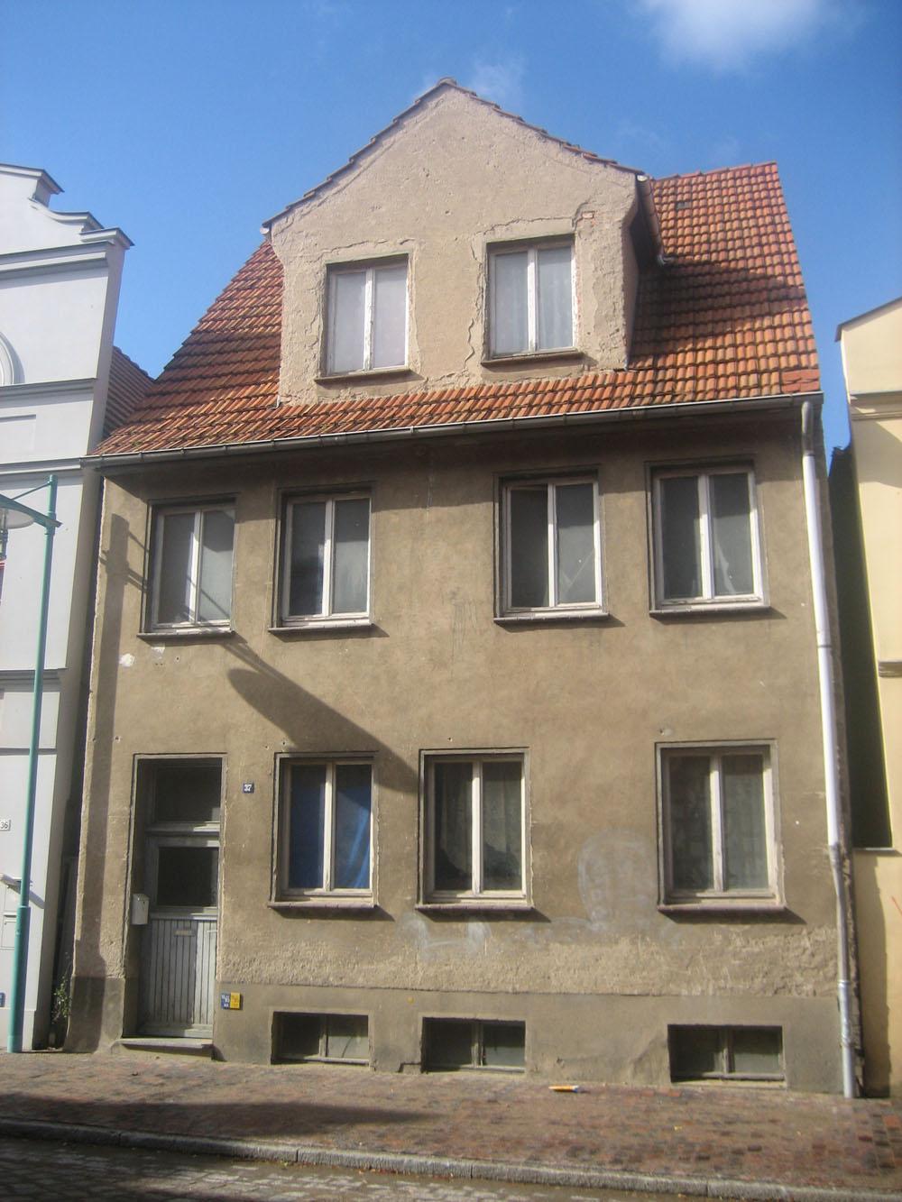 Beeindruckend Welche Fassadenfarbe Passt Zu Braunen Fenstern Foto Von Barlachstadt Güstrow: Bauprojekte Und Stadtplanung [archiv] -
