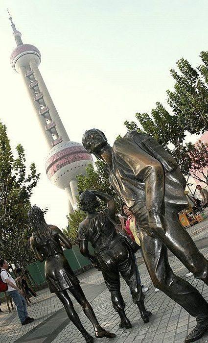 Nietypowe rzeźby i pomniki 49