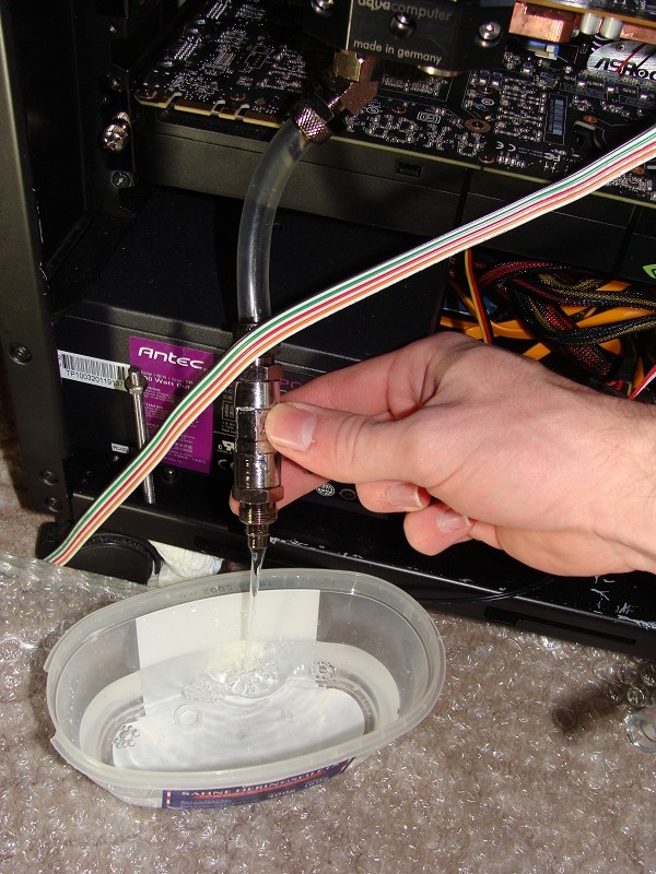 techreviewde » forum » cooling » wasserkühlung » how2  ~ Geschirrspülmaschine Wasser Ablassen