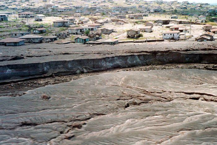 Miasto po erupcji wulkanu 27