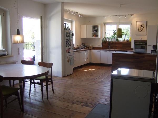 und noch die k che zum gucken. Black Bedroom Furniture Sets. Home Design Ideas