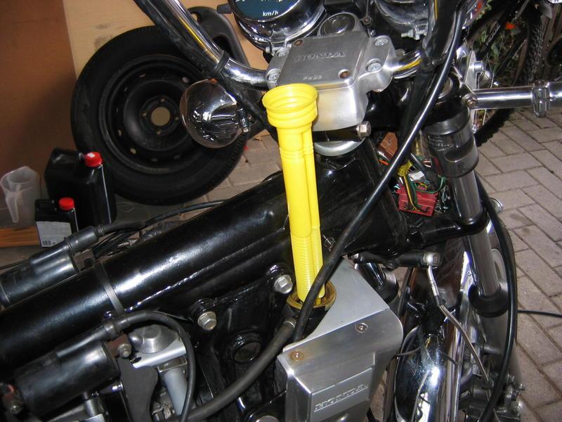 Zylinderkopfdichtung wechseln ohne Motorausbau Kuehlwassereinfuelltrgkslw
