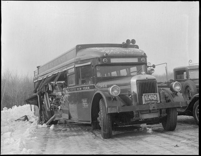 Wypadki samochodów w latach 30. 21